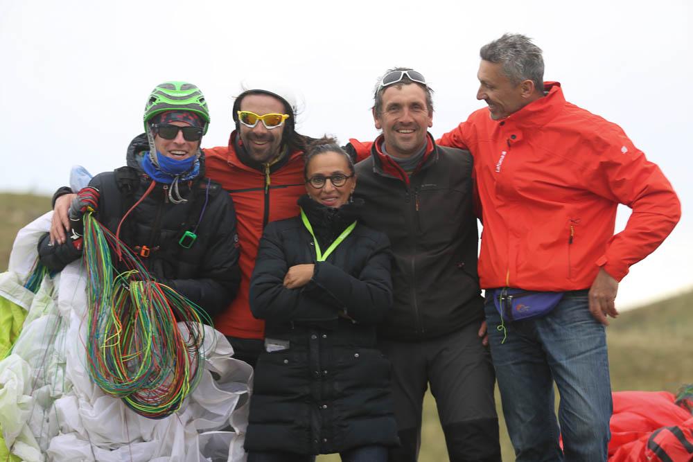 équipe Aeroparapente au sommet du puy de dome